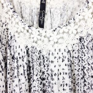 Jessica Simpson Tops - Jessica Simpson Top With Crochet Detail 1X